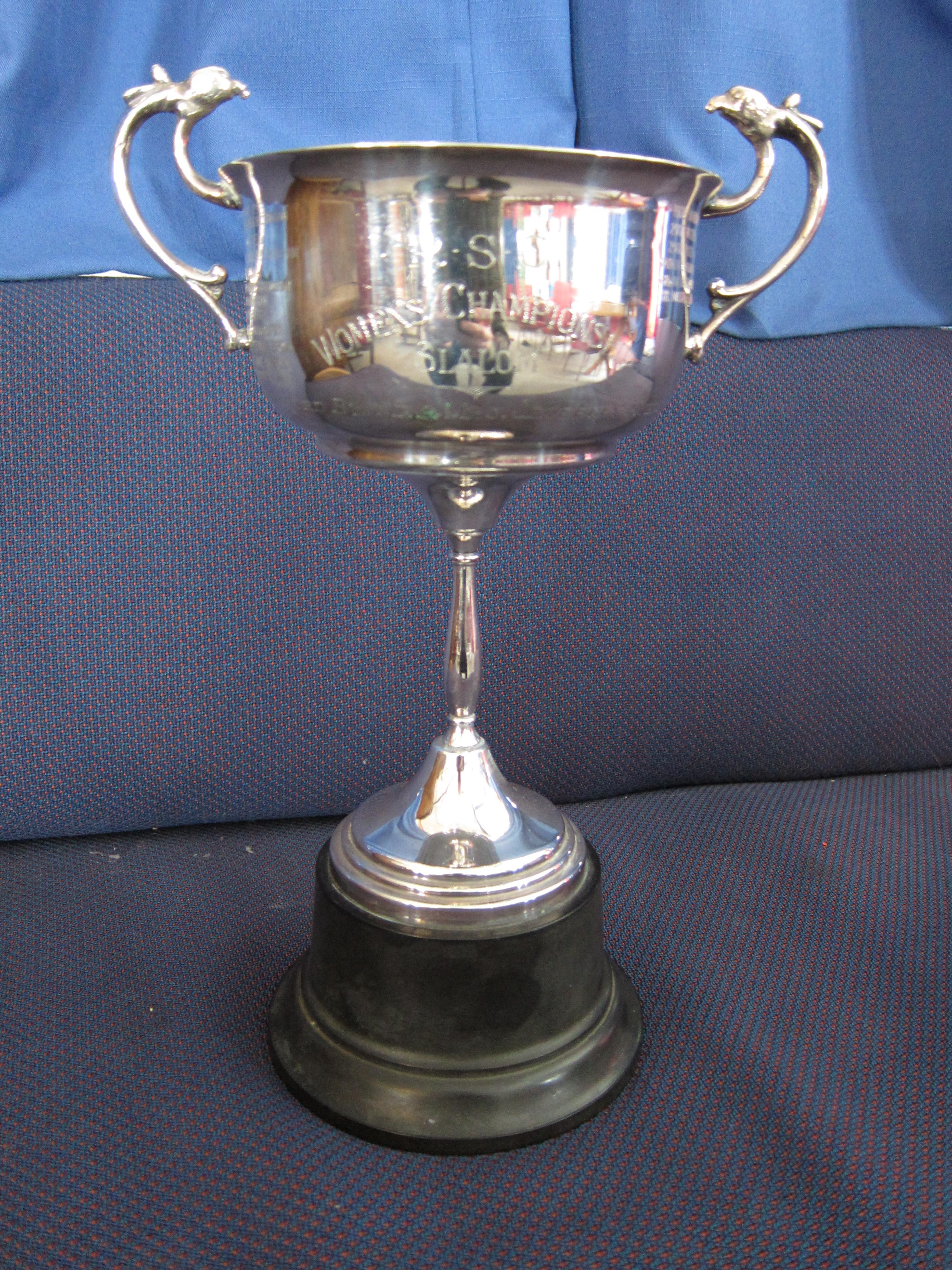 Te_Ngahaki_Trophy.JPG